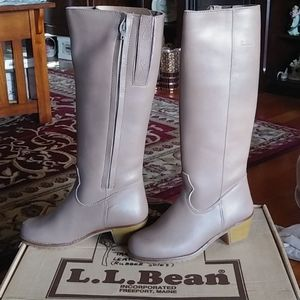 Fab New pair of L.L.Bean taupe leather boots 6